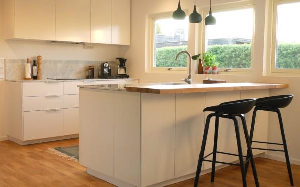Ny färg i köket!...